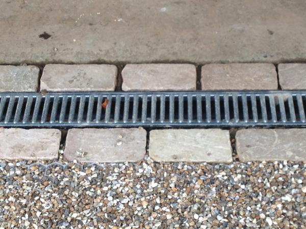 Linear drain