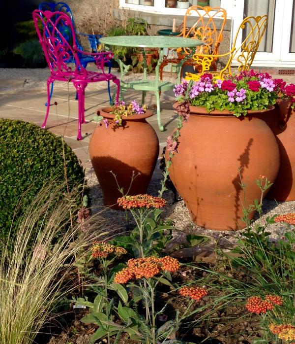 Garden patio design by Polley Garden Design