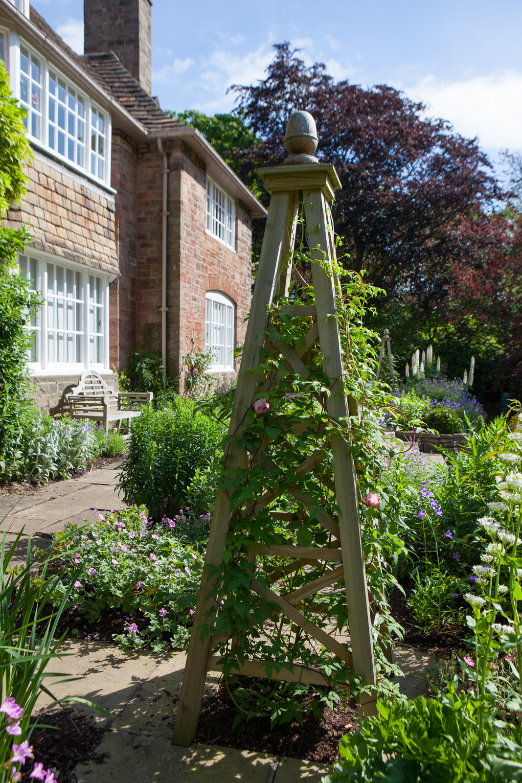 An Arts and Craft Terrace garden